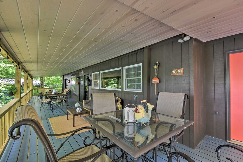 Furnished Deck | Direct Lake Access