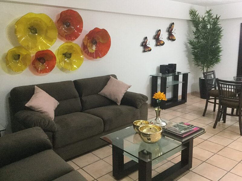 +MS +Tranquila Suite +Ubicadísima +Cerca Av. Zaragoza, holiday rental in El Marques Municipality