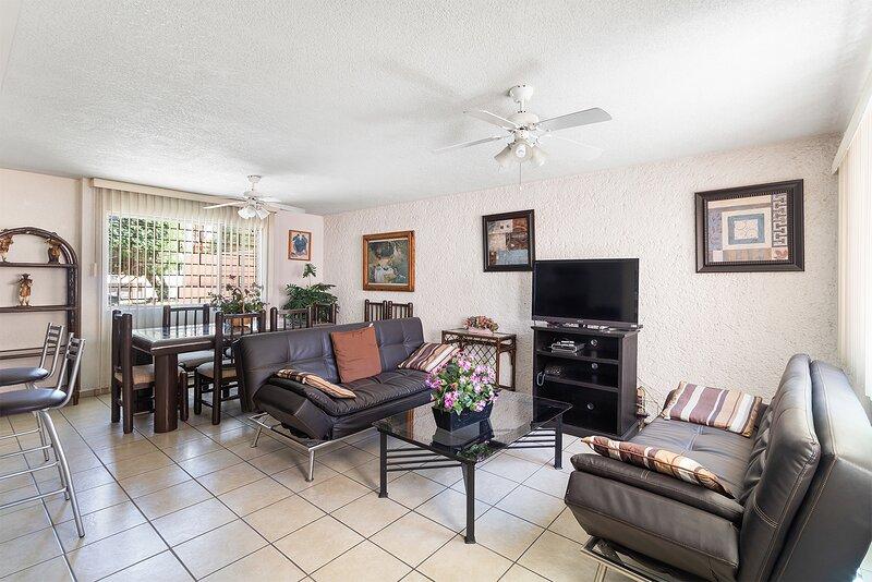+MS +Suite Ubicadísima +Zona residencial +LosArcos, holiday rental in El Marques Municipality