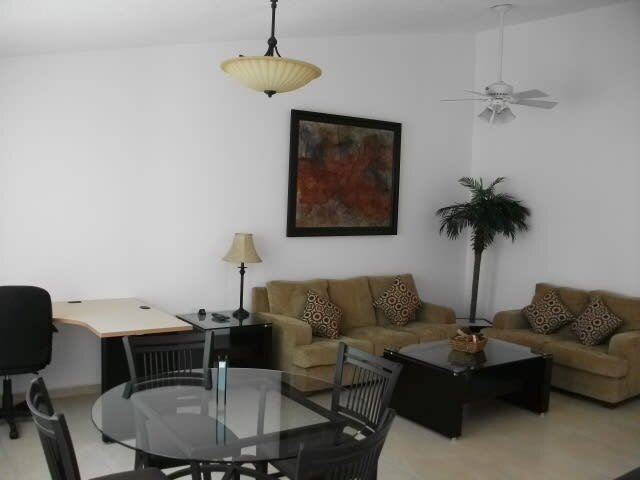 +MS +Hermosa Suite +Alberca +Áreas Verdes +Blvd Bernardo Quintana, holiday rental in Juriquilla