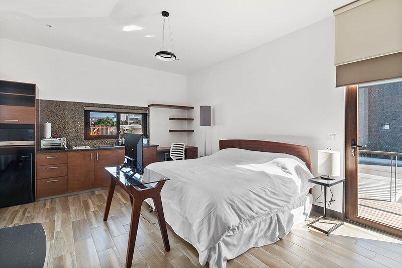 +MS +Suite Loft Accesible +Ubicadísimo +Carretera 57, holiday rental in El Marques Municipality