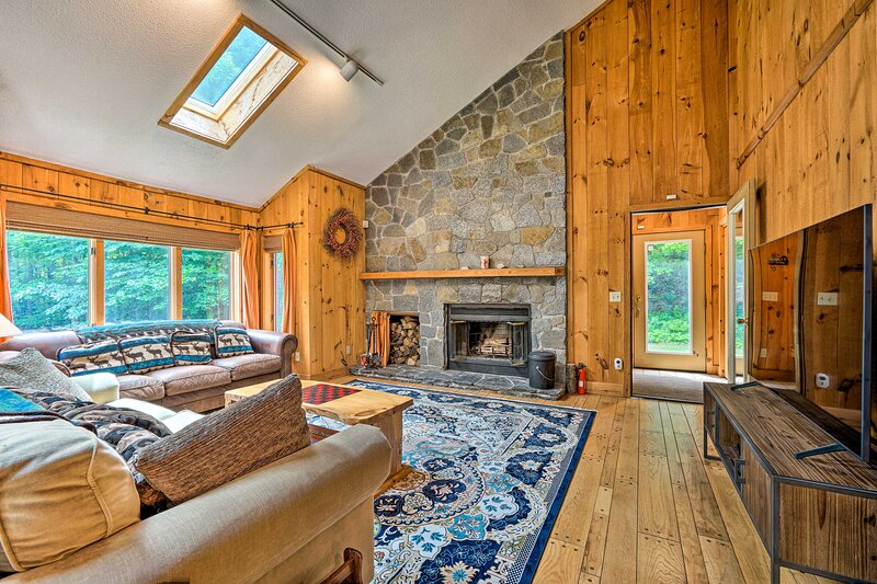 NEW! Spacious Dover Home w/ Sauna < 5 Miles to Ski, holiday rental in South Newfane
