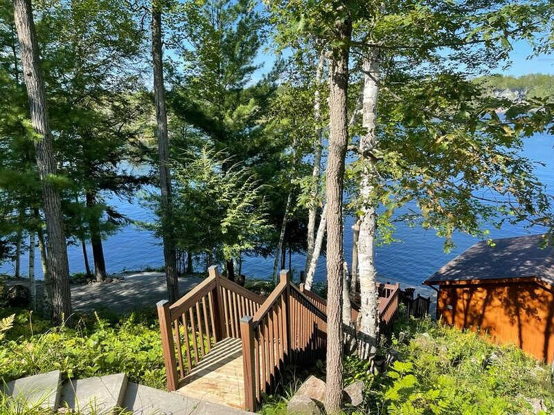 Private Luxury Cottage on the Lake, holiday rental in Port Severn