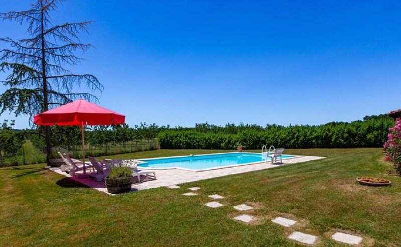 Fabulous Farmhouse Site, holiday rental in Deviat