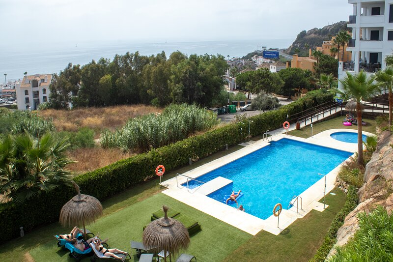3 Bedroom Apartment in La Paloma, Manilva with stunning sea views, holiday rental in Torreguadiaro