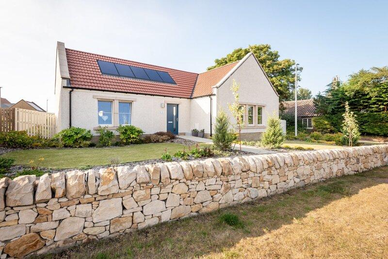 Dormie House - Fantastic cottage in a charming village, location de vacances à Boarhills