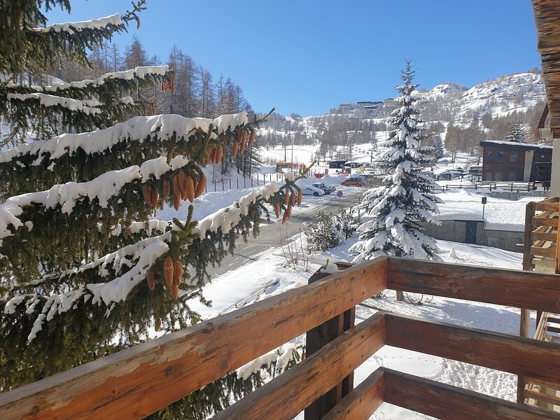 IPA2812 House Nuova Nube*** by Holiday World, vacation rental in Roure