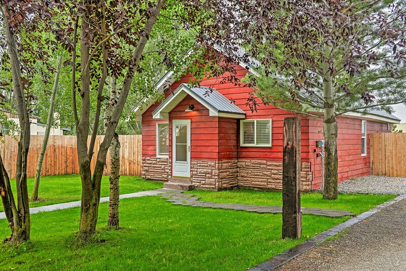 NEW! Egin Lakes Dunes Access Home w/ Private Yard!, holiday rental in Parker