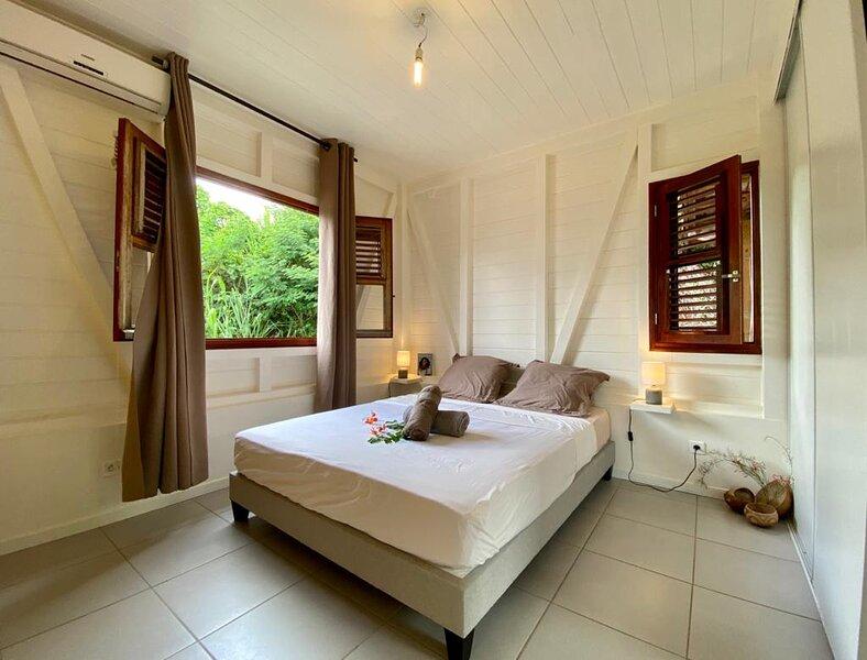 Jolie petite Villa couleur Kannelle, holiday rental in Arrondissement of Saint-Pierre