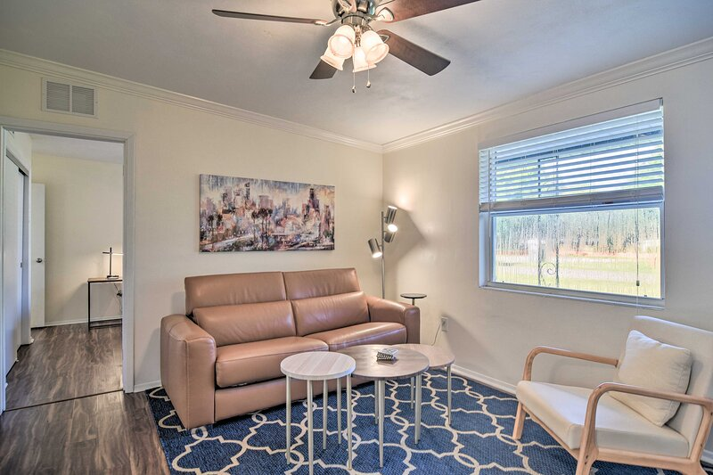 NEW! Updated Largo Townhome Near Beaches & Parks!, holiday rental in Belleair Bluffs