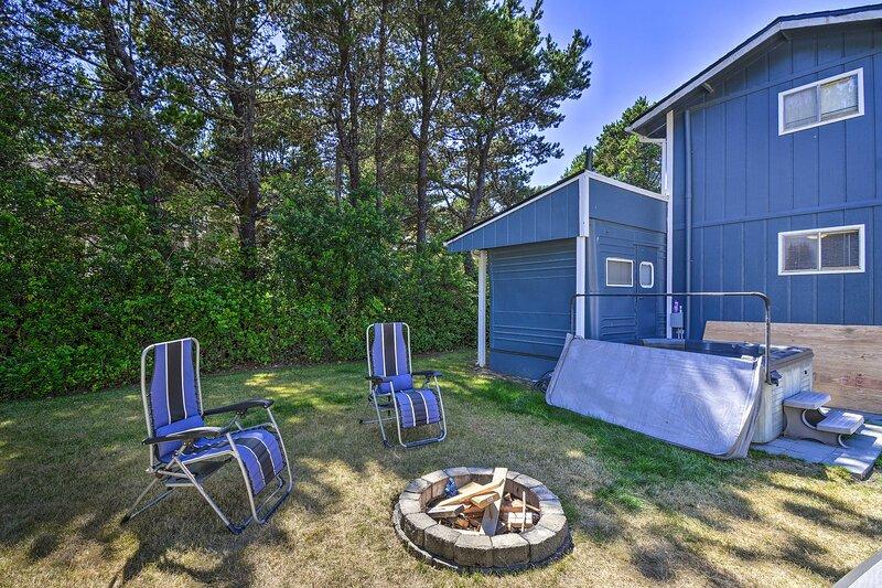 NEW! Coastal PNW Gem w/ Hot Tub - Walk to Beach!, holiday rental in Tokeland