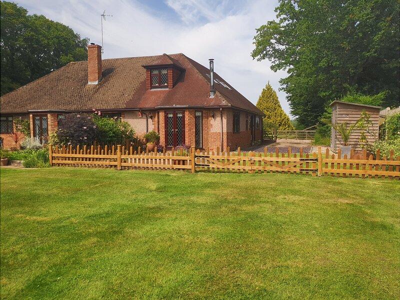 Ashwood Holiday Cottage, location de vacances à Ashford