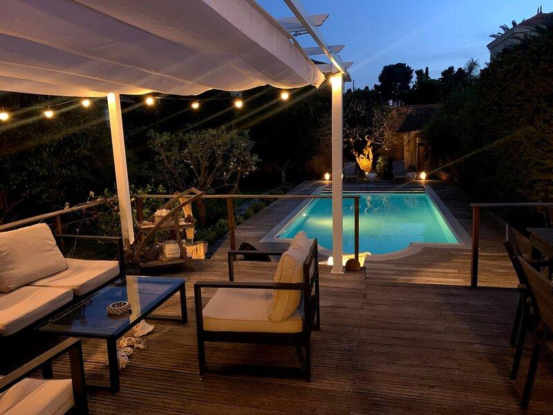 Cannes Villa De Charme Piscine Privee Jardin, holiday rental in Le Cannet