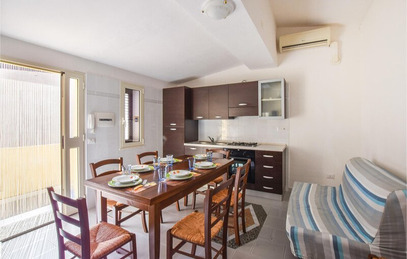 Awesome apartment in Galtelli' with 2 Bedrooms (IGS105), holiday rental in Galtelli