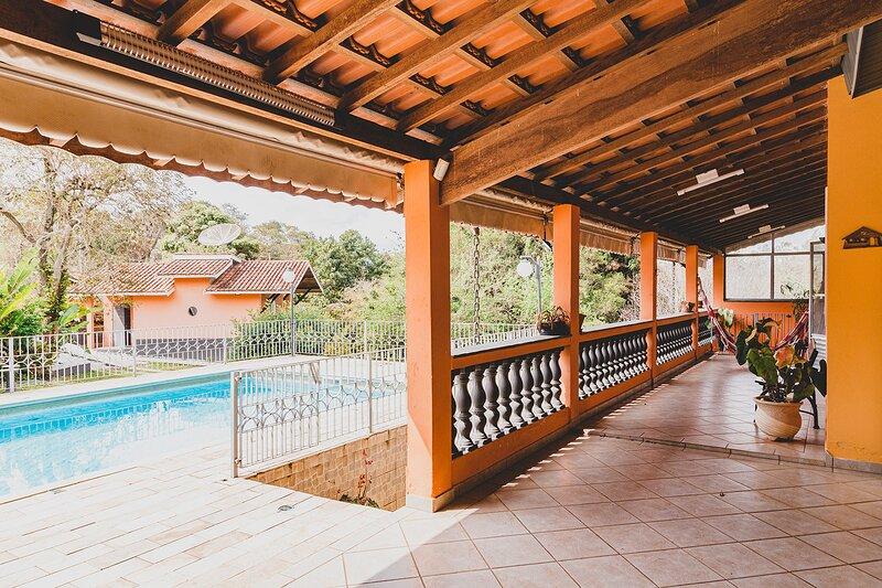 NOVO - Chácara com Piscina e Churrasq em Atibaia, alquiler de vacaciones en Piracaia
