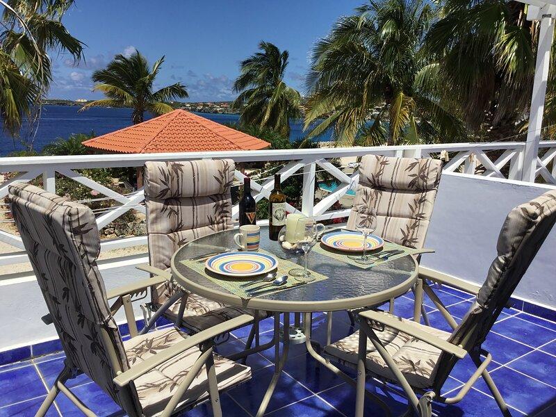 Beautiful 1bdrm 2 ba Oceanfront Marazul Dive Resort Westpunt, aluguéis de temporada em Sabana Westpunt