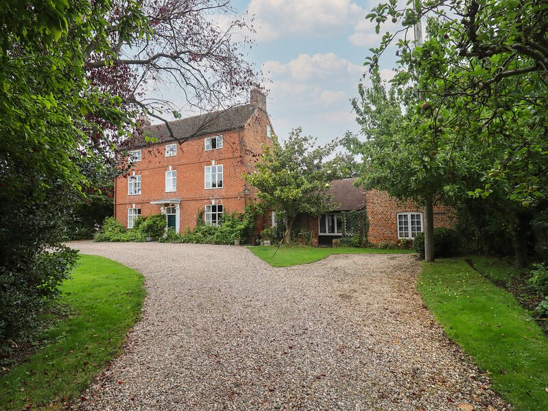 The Coach House Apartment, Bredon, holiday rental in Tewkesbury