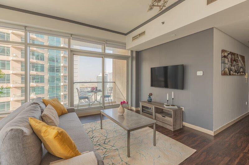 Sophisticated 2BR Apartment near Burj Khalifa, casa vacanza a Hatta
