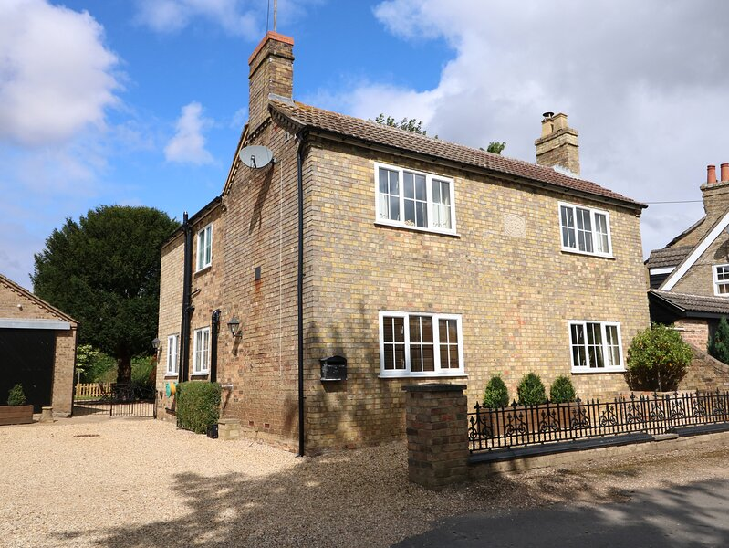 Coronation Cottage, Upwell, holiday rental in Upwell