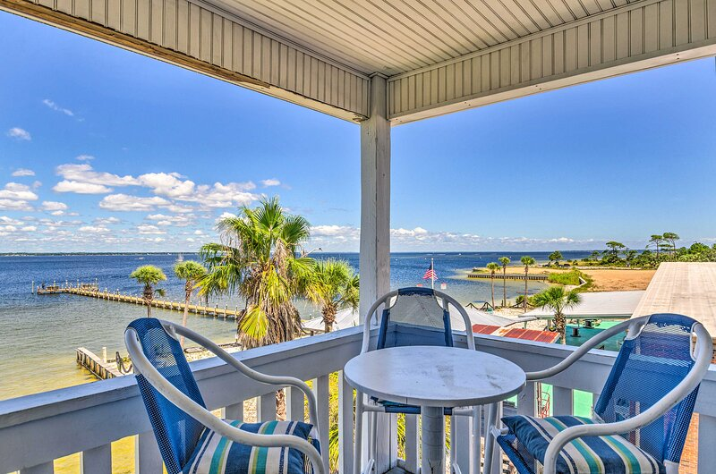 Fort Walton Beach Vacation Rental   2BR   2BA   3rd-Floor Unit   Stairs Required