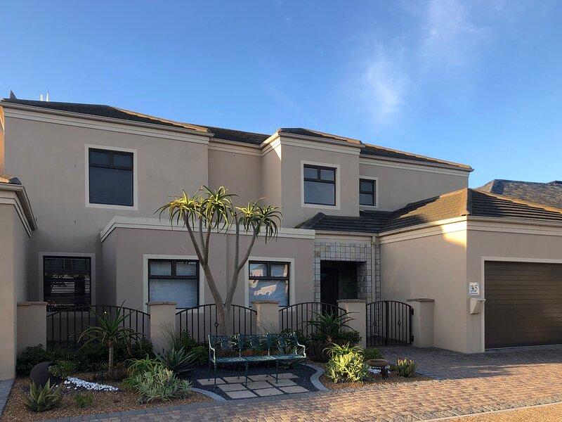 Family Holiday home - Big Bay, Bloubergstrand, Cape Town, alquiler de vacaciones en Melkbosstrand