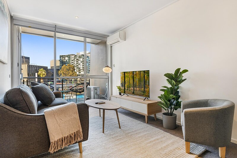 MadeComfy | Spacious 2-Bed Melbourne City Apartment – semesterbostad i Middle Park