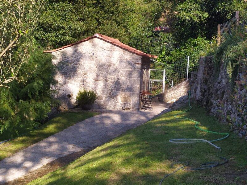 Renovated Mill by Waterfalls 2, holiday rental in Sa