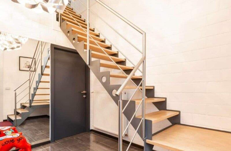 Loft To Go: Stijlvolle, ruime loft met grote recreatieruimte, casa vacanza a Torhout