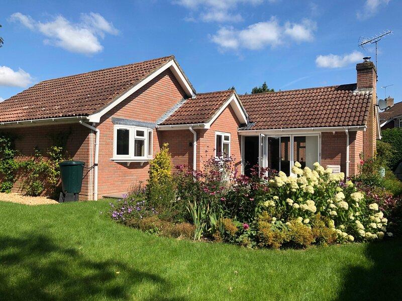 Peaceful bungalow close to New Forest, location de vacances à West Dean