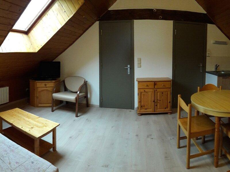 Appartement T4 pour 6 personnes en pleine montagne Baratier, holiday rental in Saint-Sauveur