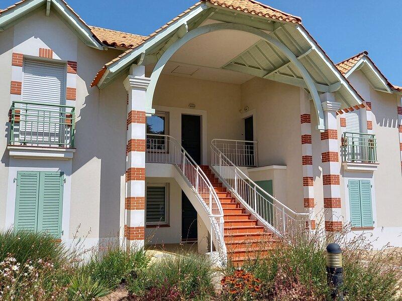 LOCATION MAISON DE VACANCES NOTRE DAME DE MONTS, holiday rental in La Barre-de-Monts