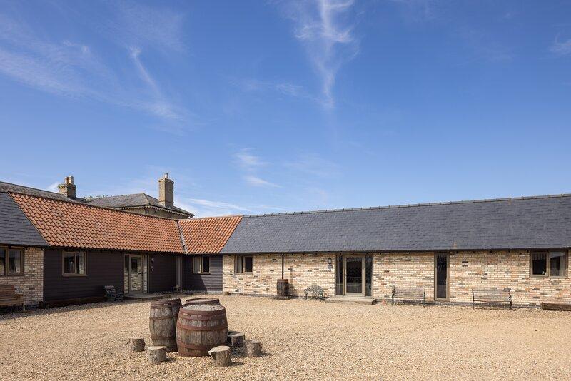 Beautiful Cambridgeshire Barns Sleeps 24+, vacation rental in Ashwell