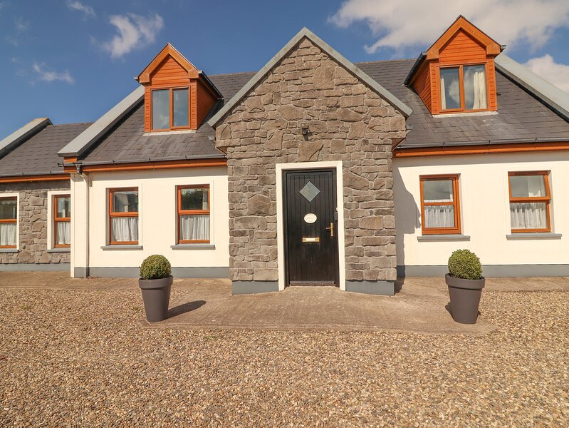 Cherry Blossom Cottage, Quilty, County Clare, alquiler vacacional en Doonbeg