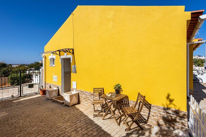 Casa do Sol - cute private house Sagres, holiday rental in Sagres