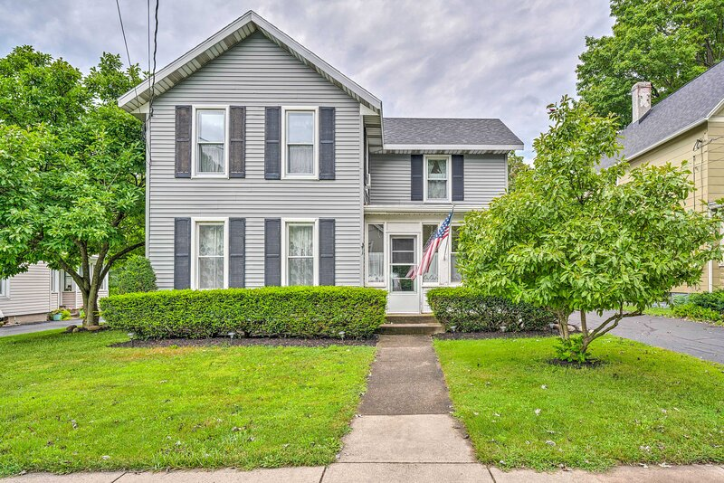 NEW! Serene Westfield Home < 2 Miles to Lake Erie!, vacation rental in Westfield