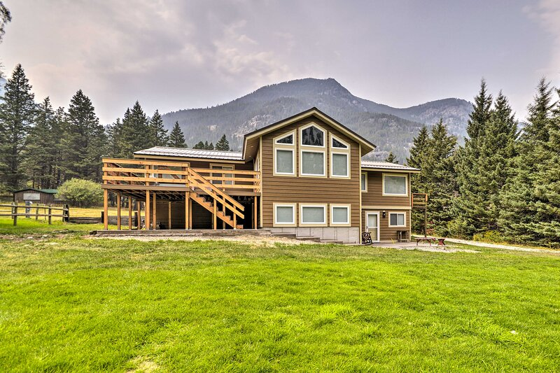 NEW! 'Grand Slam Ranch:' Hike & Fly Fish On-Site!, casa vacanza a McLeod