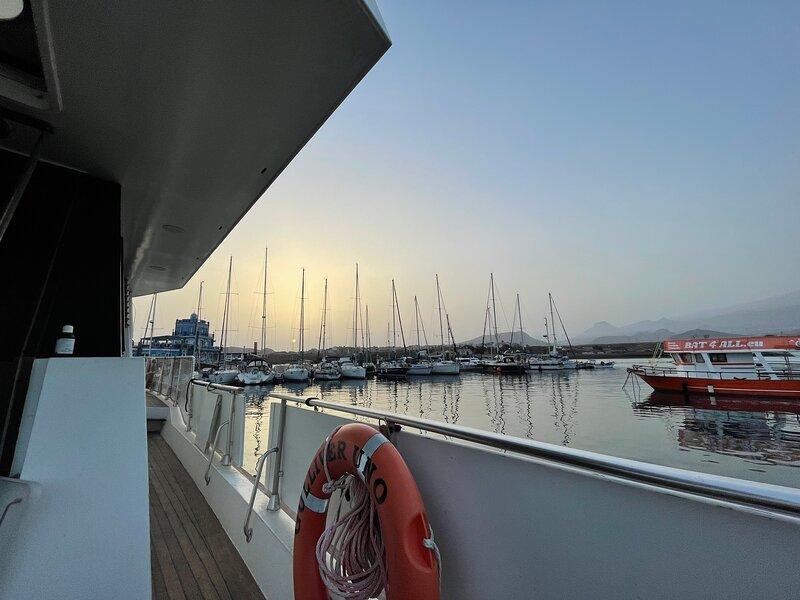 Alquiler de casa barco yate en el Puerto de Las Galletas, vacation rental in Las Galletas
