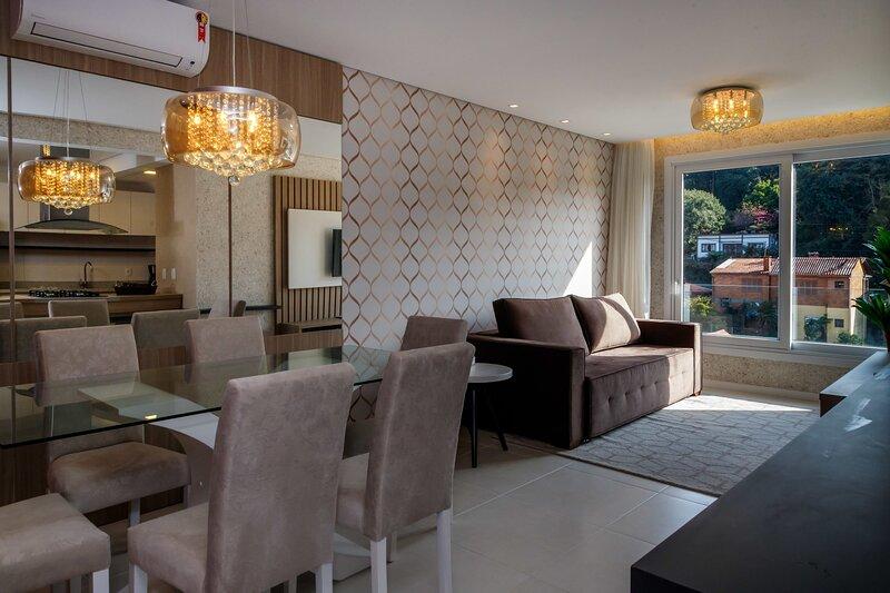 Belíssimo apartamento de 2 quartos com ótima localização, aluguéis de temporada em Picada Café
