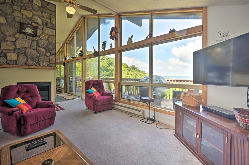 Ski-In Ski-Out Blue Knob Family Home w/ Mtn Views, holiday rental in Fishertown