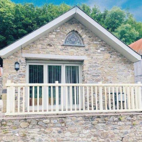 Troed Y Rhiw wild coastal retreat, aluguéis de temporada em Aberporth