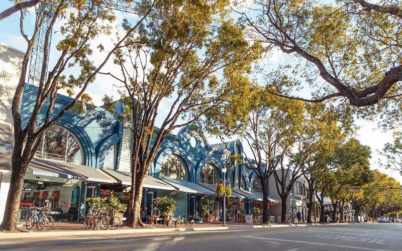 COCONUT GROVE GETAWAY, 1BR SUITE, POOL, SAUNA, vacation rental in Coral Gables