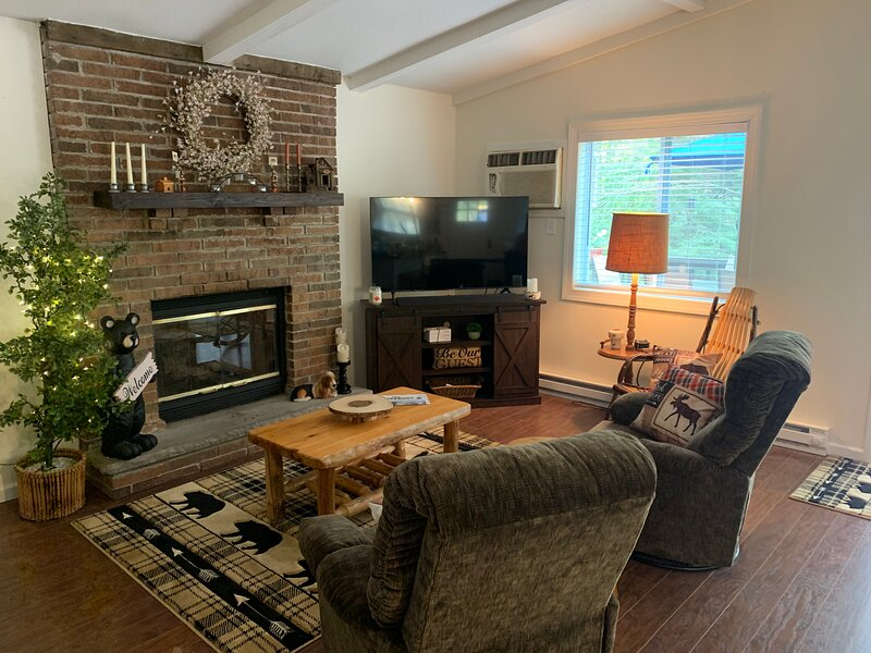 Whispering Woods Home in The Hideout, holiday rental in South Canaan