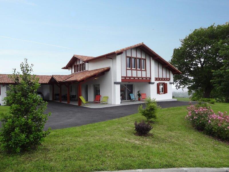 IXTULIAN-BORDA, holiday rental in La Bastide Clairence