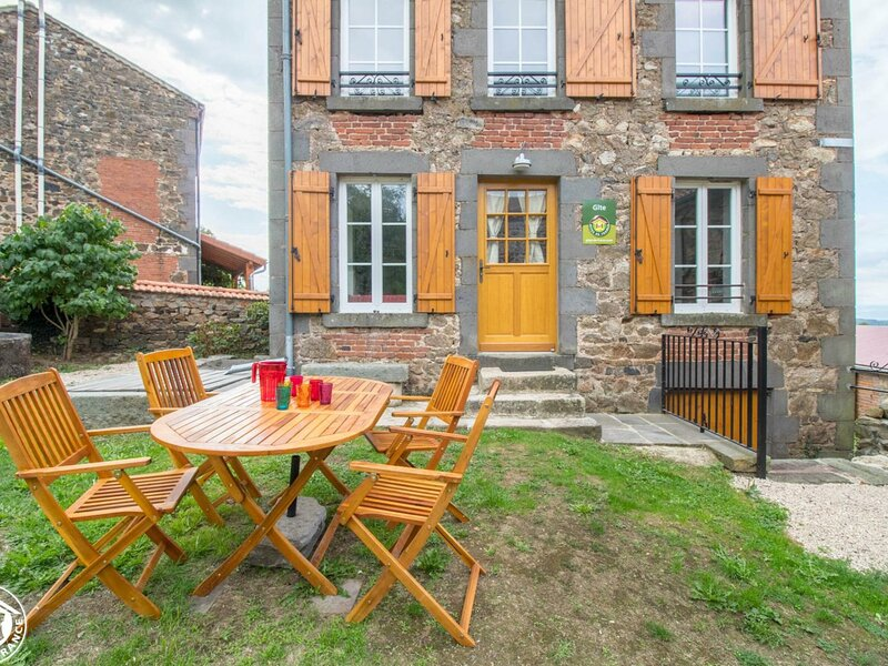 Le Courtial, holiday rental in Issoire