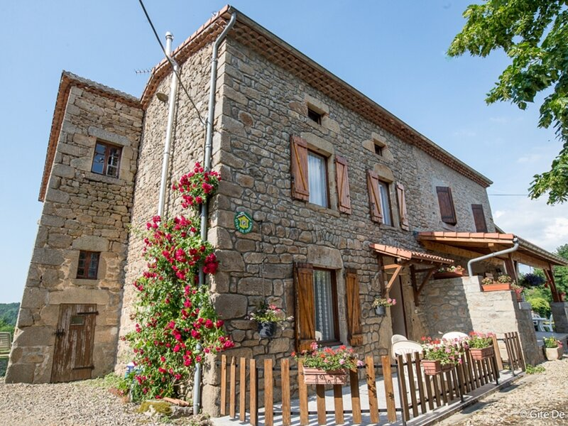 CEILLOUX - 4 pers, 61 m2, 3/2, holiday rental in Billom