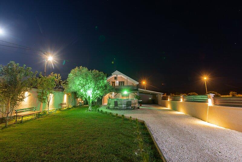 Villa Vadian & Pool, holiday rental in Star Dojran