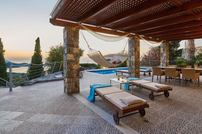 Villa Kalypso - Only 600m from the beach, casa vacanza a Almirida