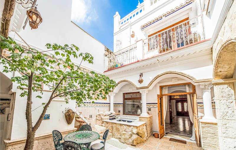 Beautiful home in La Font d'en Carròs with Jacuzzi, WiFi and 3 Bedrooms (EBV099, holiday rental in Adsubia