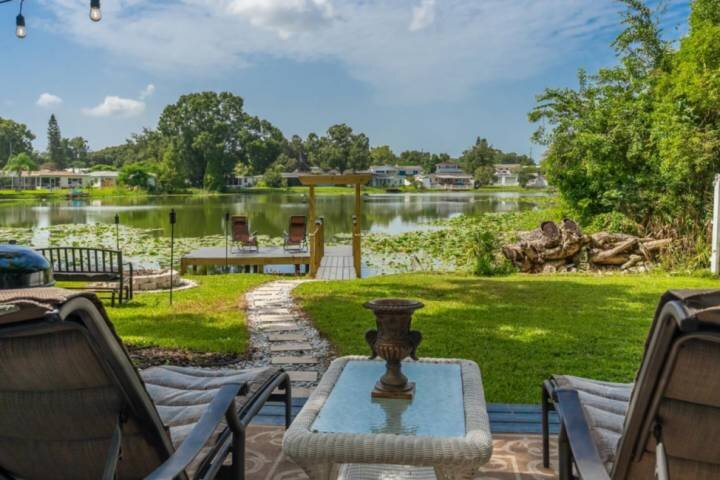 NEW LISTING!!  Lazy Days on the Lake, holiday rental in Northdale
