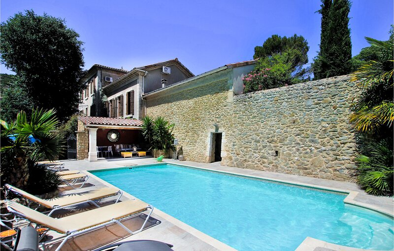Nice home in St Montant with Outdoor swimming pool, WiFi and 2 Bedrooms (FRA181), holiday rental in Saint-Thome